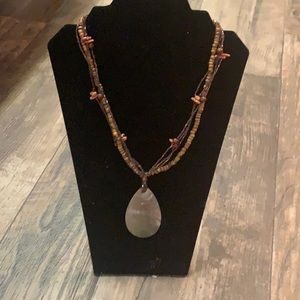 Necklace w shell pendant and beads -so cute!